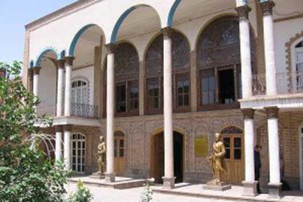 گشتوگذاری در موزه مشروطه/ ندا فرشباف