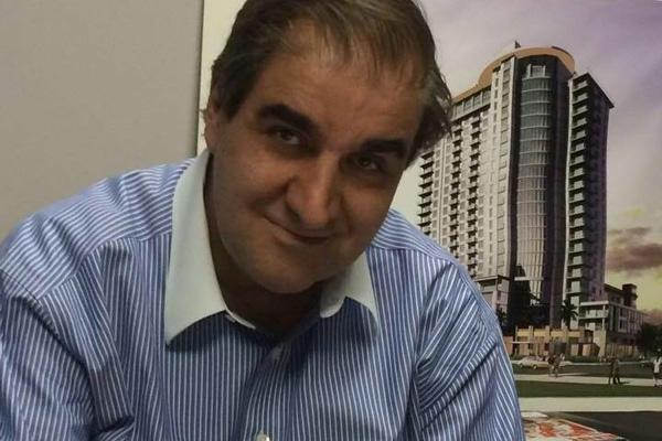 اورهان پاموک، رماننویس پست مدرنیست ترکیه / قادر افشارى (تگزاس، آمریکا)
