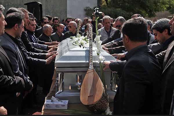 گزارش تصویری خاکسپاری عاشیق رسول قربانی/خلیل غلامی